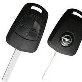 Izgubljeni ključevi od auta - Opel sa plavim privjeskom